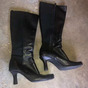 Size 7.5 black leather stretchy calf boots
